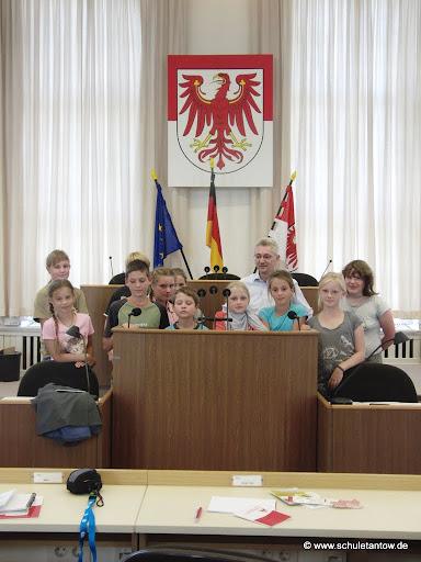 Zum Starten der Bildergalerie das Bild anklicken.<br />(alle Bilder © www.schuletantow.de)