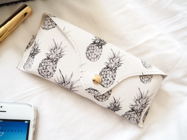 april-favourites-h&m-monochrome-pineapple-print-sunglasses-case