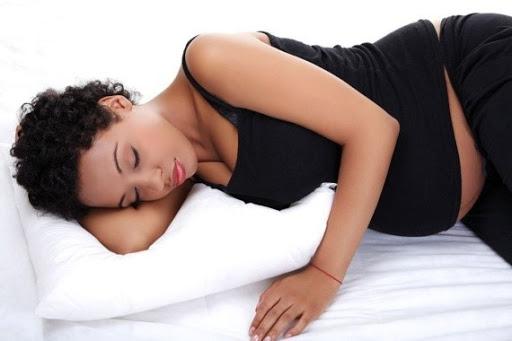 Tư thế ngủ khi mang thai tốt nhất cho mẹ và bé