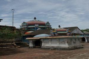 Thiruchemponpalli (Semponarkoil) Temple Inside Praharam 02