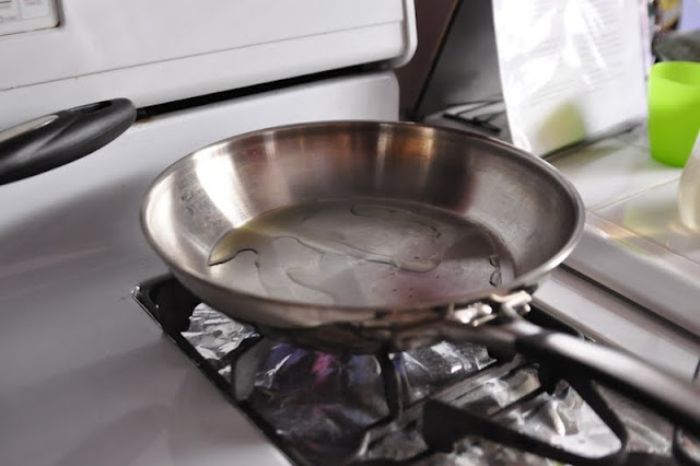 how to cook egg with stainless steel pan