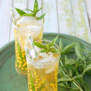 Lemongrass-Lavender Green Sun Tea.