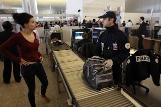 Vidéo: 15 ans après le 11 septembre 2001, les aéroports ont bien changé