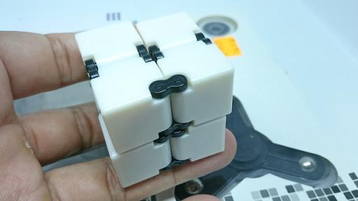 DSC 6037 thumb%255B2%255D - 【フィジェット/Fidget】次世代フィジェット「Fidget Infinity Cube (フィジェット・インフィニティ・キューブ)」&「ハンドフィジェットスピナー2種」レビュー。無限パワー!?