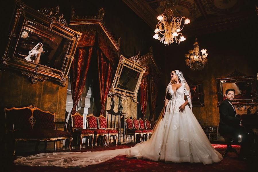 Wedding photographer Valery Garnica (focusmilebodas2). Photo of 03.02.2020