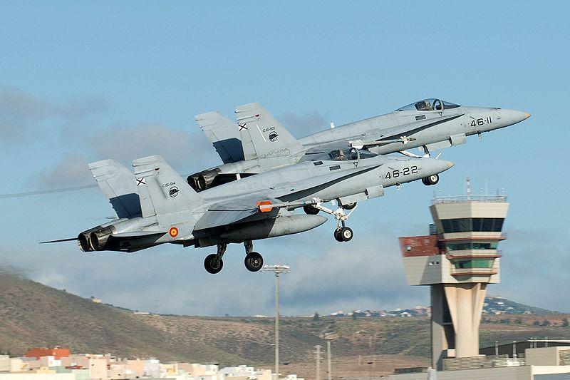 01/07/12 DOMINGO Rescate en Libia  - La Granja Airsoft - Partida abierta 800px-Gando_F-18_1