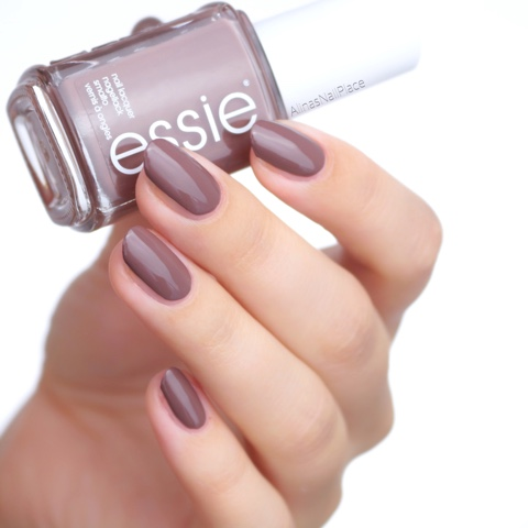 truth or bare, essie, swatch, wild nudes,