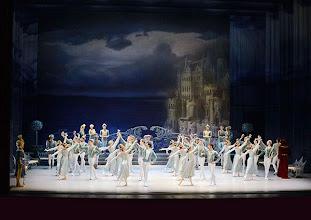 Photo: Ballett SCHWANENSEE in der Wiener Staatsoper/ Wiener Staatsballett.  Premiere 16. März 2014. Foto: Barbara Zeininger.