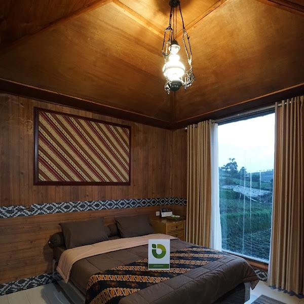 Omah Dieng Etnic Double Bed - Homestay Dieng