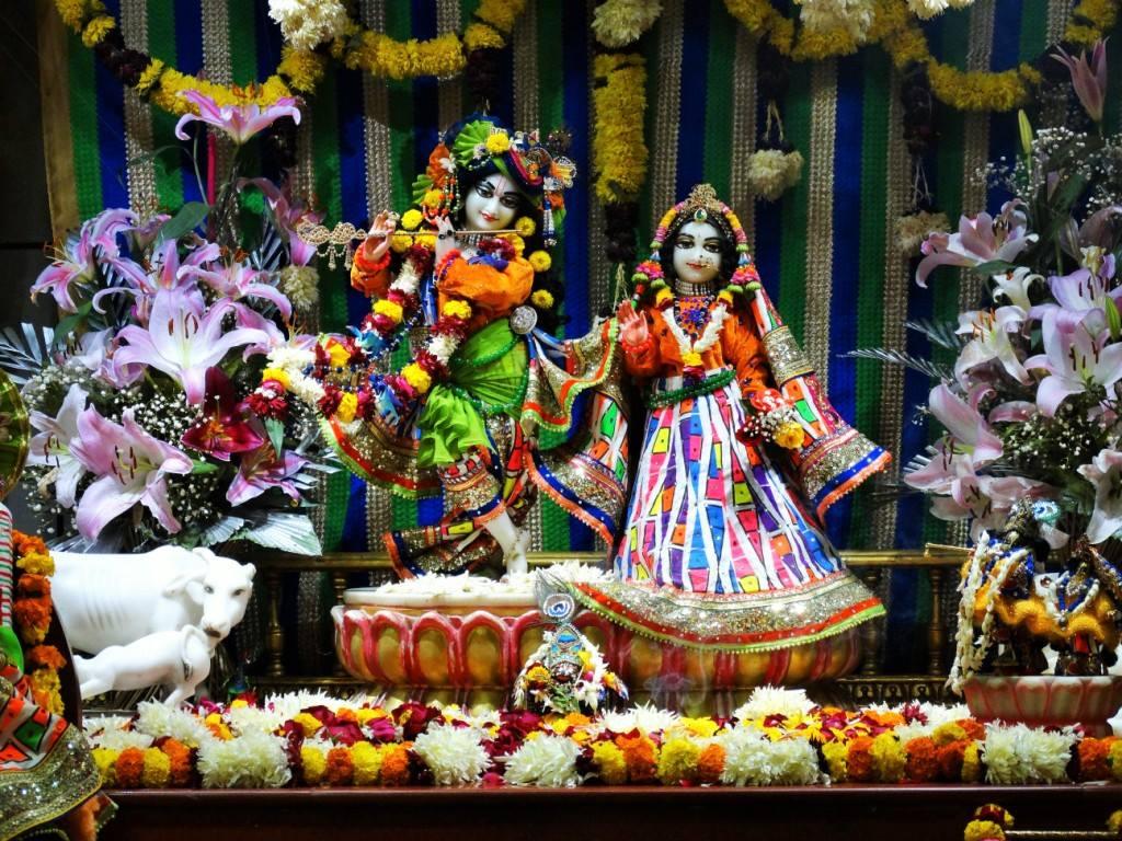 ISKCON Punjabi Bagh Deity Darshan 16 Dec 2015 (5)