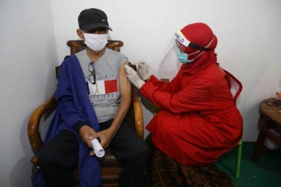 Penghuni Rusun Surabaya yang Tolak Vaksin Diminta Cari Hunian Lain