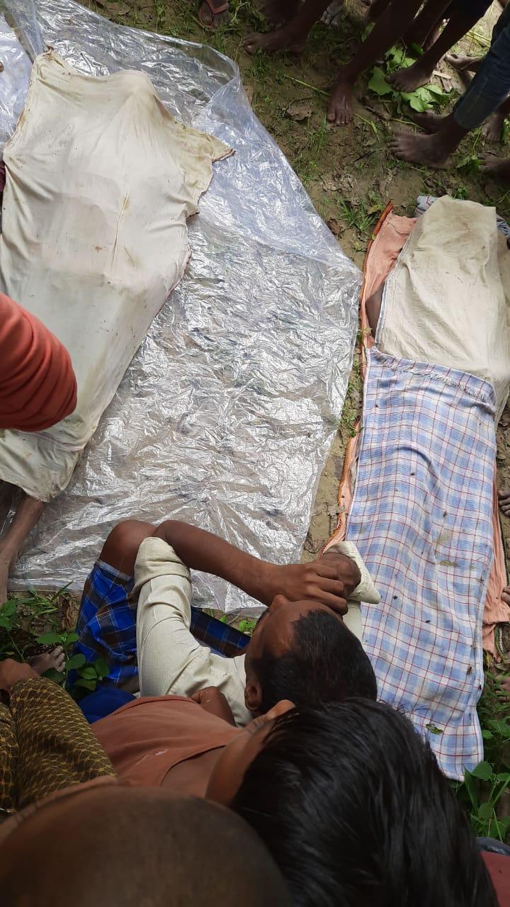 बिहार के समस्तीपुर में आई बाढ़ के बीच सेल्फी लेने के चक्कर में दो युवक नदी में डूब गए।