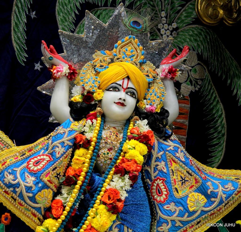 ISKCON Juhu Sringar Deity Darshan 22 Nov 2016 (49)