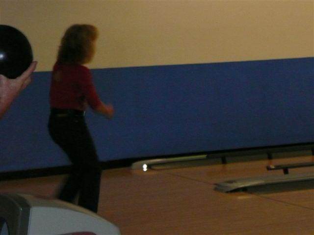 2008 Bowling & Bonfire - P1000020.JPG