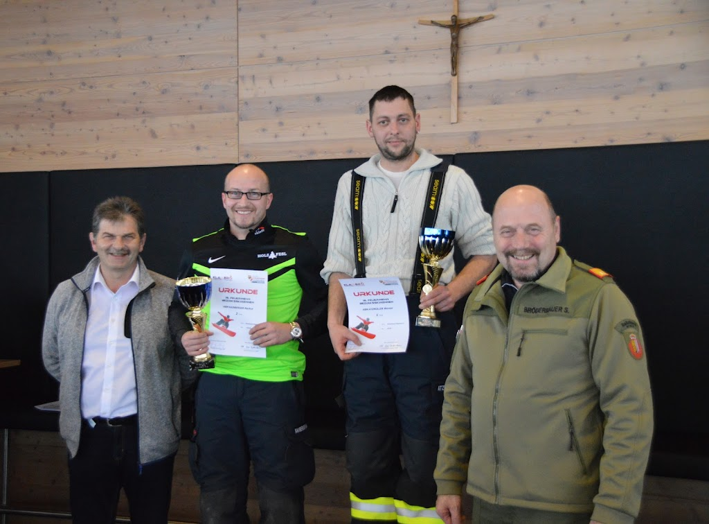2017-01-08 Bezirksfeuerwehrskirennen - 32068200291_023438ec09_o.jpg