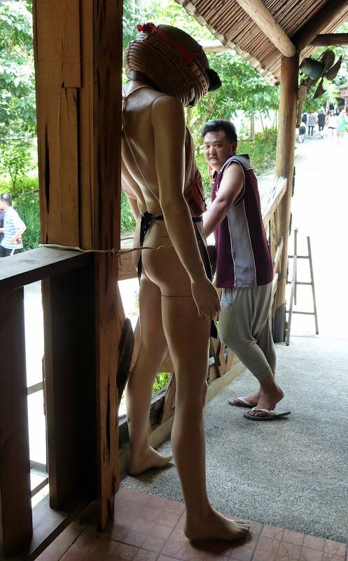 Shanmei, en scooter. J 16 - P1180993.JPG