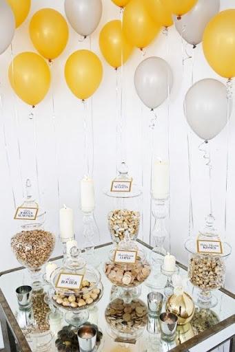Decoração de balões dourado e prata