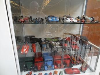 2017.10.23-120 voitures miniatures