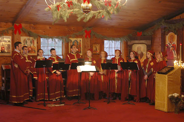 The choir wore traditional stikharia and robes.