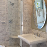 Bathrooms - 20150825_114054.jpg
