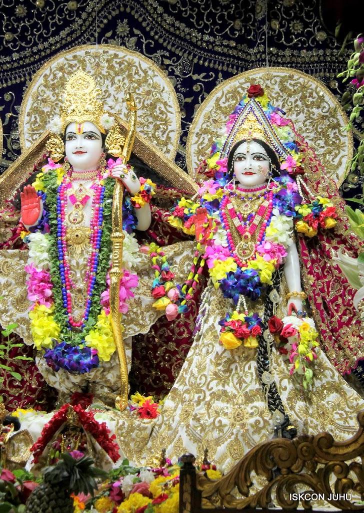 ISKCON Juhu Sringar Deity Darshan on 25th August 2016 (25)