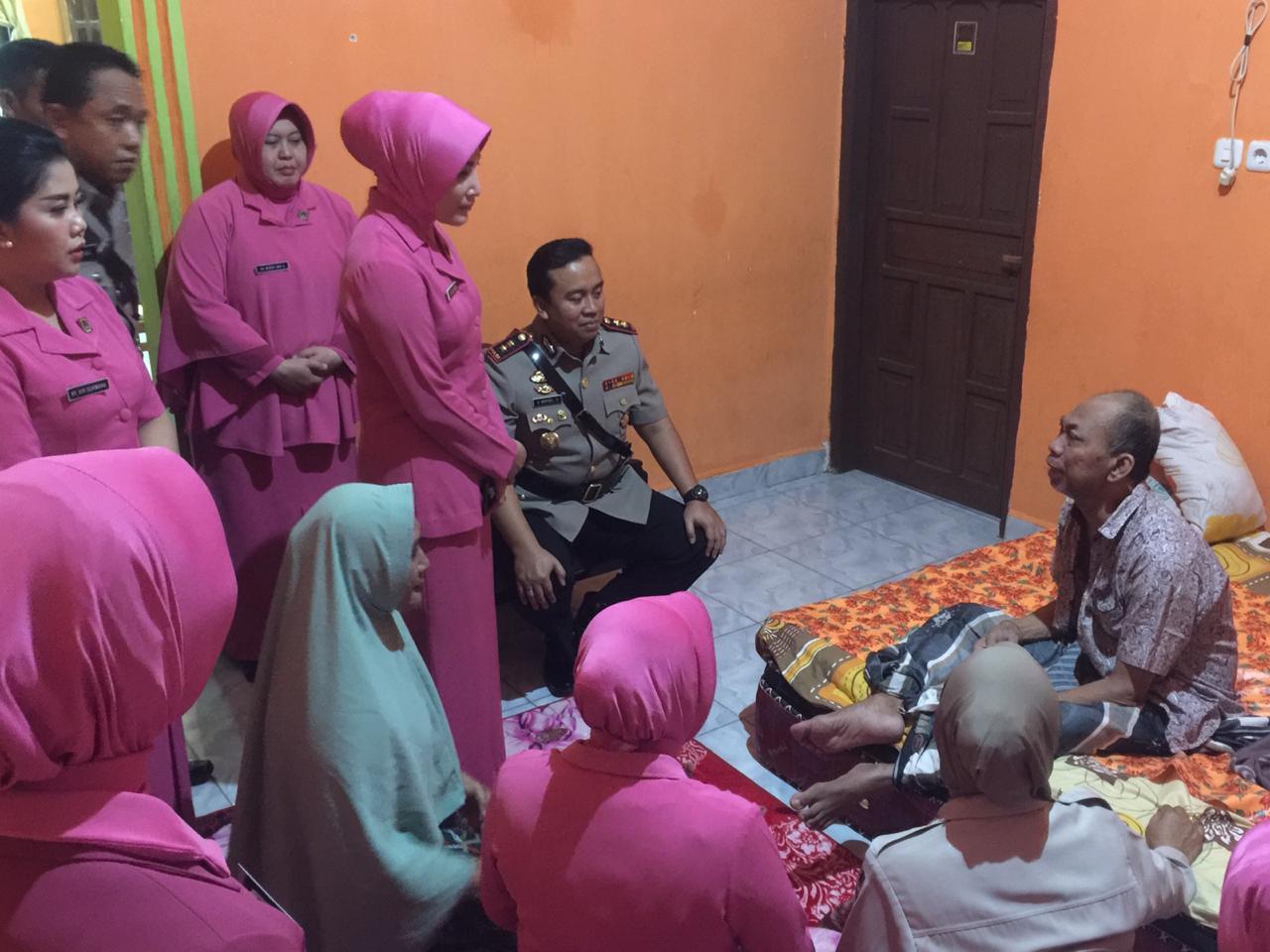 Polres Wajo Anjangsana ke Rumah Purnawirawan Polri