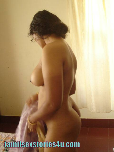 Aunty Dress Changing Nude
