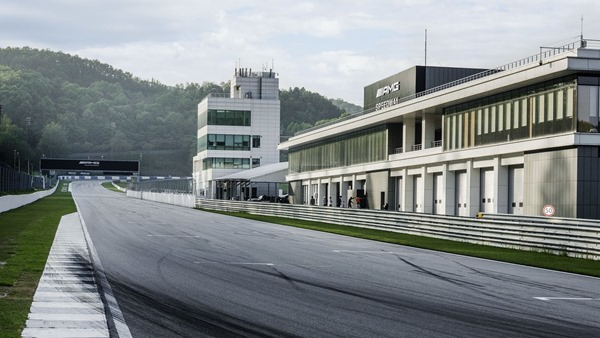 mercedes-amg-speedway-south-korea-1