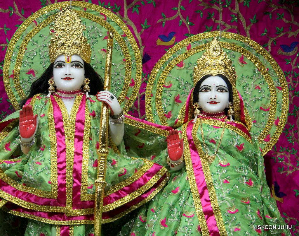 ISKCON Juhu Mangal Deity Darshan on 19th Nov 2016 (13)