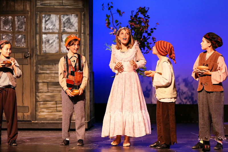 2014Snow White - 70-2014%2BShowstoppers%2BSnow%2BWhite-6171.jpg