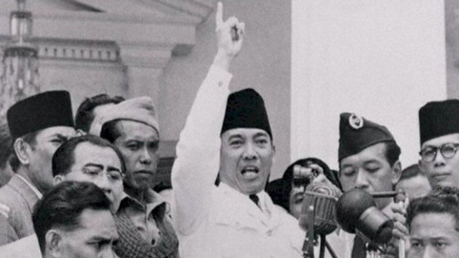 Ini Alasan Kenapa Presiden Soekarno Sering Pakai Peci Hitam