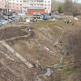 24 Апреля 2010 - Праздник встречи Соловьев. В субботнике участвуют Гайдара 1-3-5, гаражный кооператив Пушка