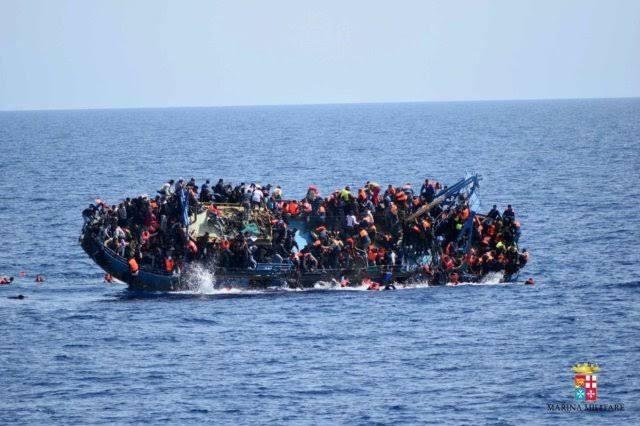 Una patera con 54 personas se hunde en el mar frente a la costa de El Aaiún en el Sáhara Occidental