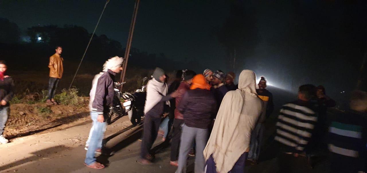 बड़ी खबर: जगदीशपुर में ट्रक की चपेट में आने से बाइक सवार दो युवकों की मौत