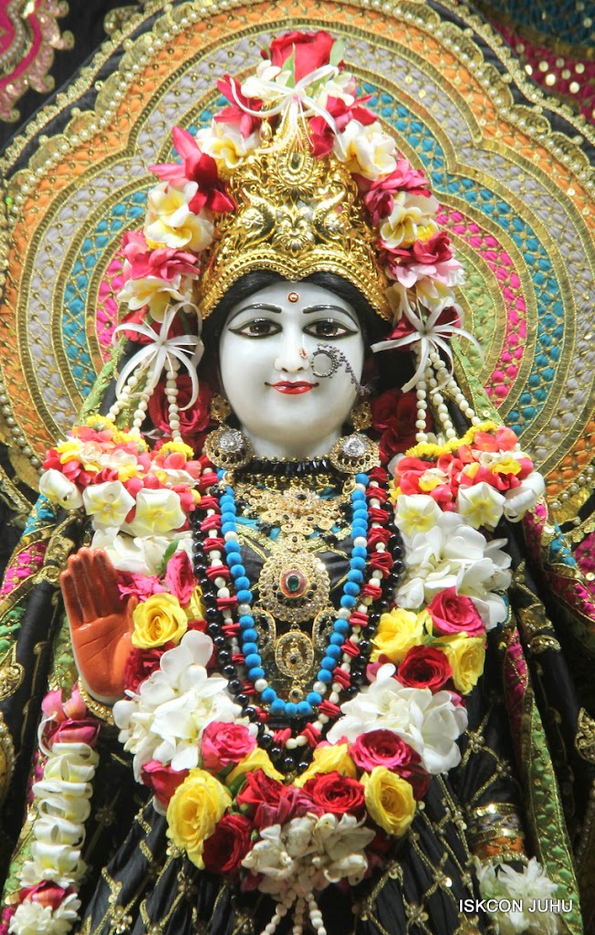 ISKCON Juhu Sringar Deity Darshan on 28th May 2016 (15)