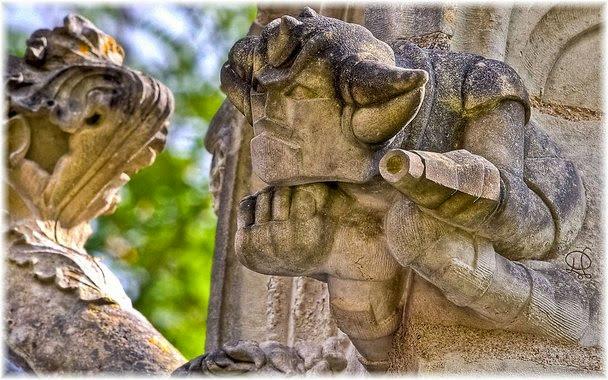 capilla siglo xv gargolas modernas viaje a Francia