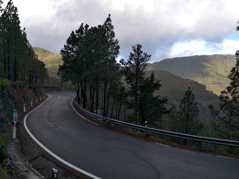 Inca o zi, din nou in saua bicicletei, pe aceasi vreme umeda si schimbatoare din Artenara.