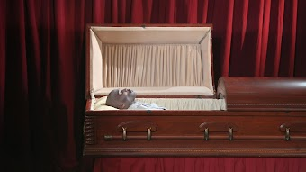 Family Edition: Close Your Coffin