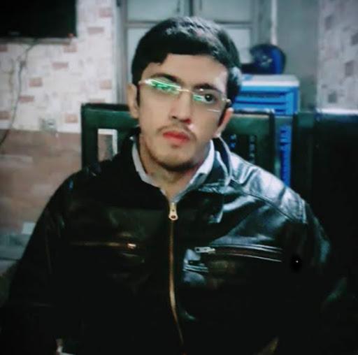 user UMAIR ALI apkdeer profile image