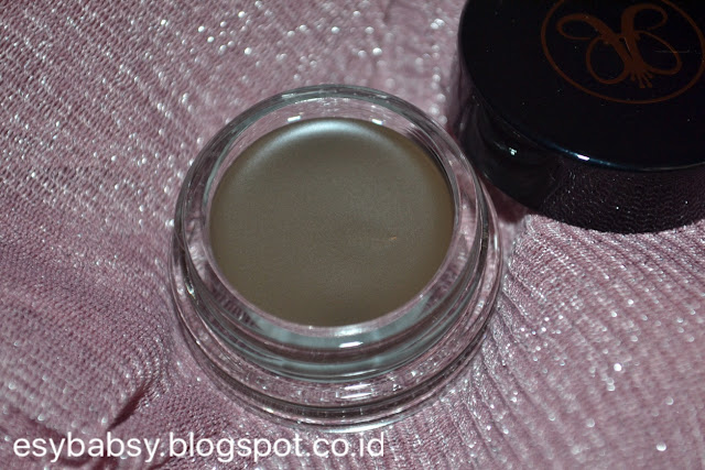 anastasia-beverly-hills-abh-dipbrow-pomade-dark-brown-review-esybabsy