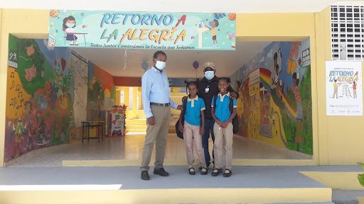 PARTICIPACION COMUNITARIA Y LA REGIONAL 01 VISITAN VARIOS CENTROS EDUCATIVOS DONDE LA ASISTENCIA PROMEDIO FUE DE MAS DEL 94% DE LA MATRICULA DE ALUMNOS