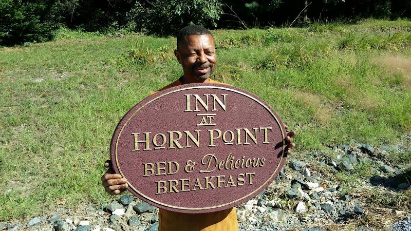 sandblasted signs - inn at horn point annapolis