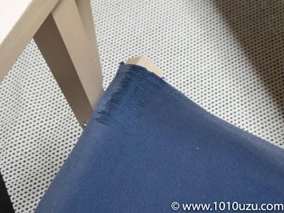 補修した座面を椅子に装着したところ