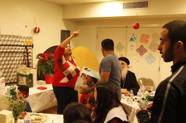 Servants Christmas Gift Exchange - _MG_0834.JPG