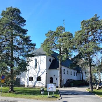 Enskede kyrka 671