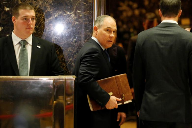 Scott Pruitt Attorney General of Oklahoma arrives to meet with U.S. President-elect Donald Trump at Trump Tower in Manhattan, New York City, U.S., 7 December 2016. Photo: Brendan McDermid / REUTERS