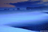 Blaue Stunde am Kap Dyrholay, Island (http://www.Naturfoto-Steudner.de)