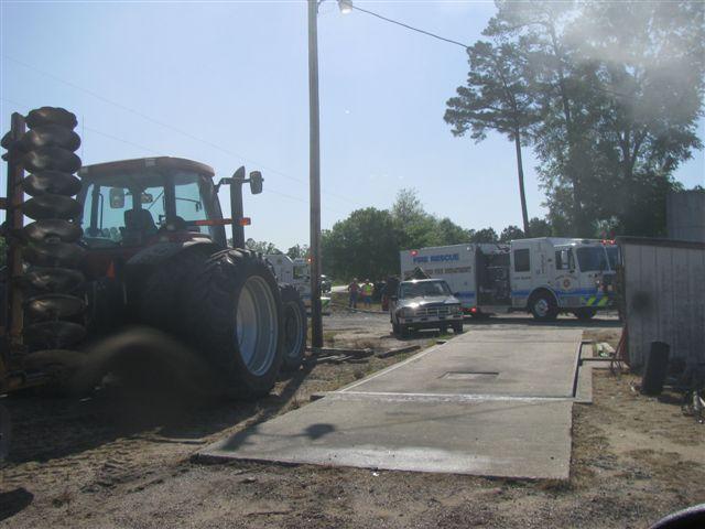 Floyd Farm Service Fire 009.jpg
