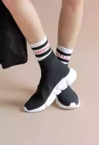 Model Sepatu Ngehits 2018