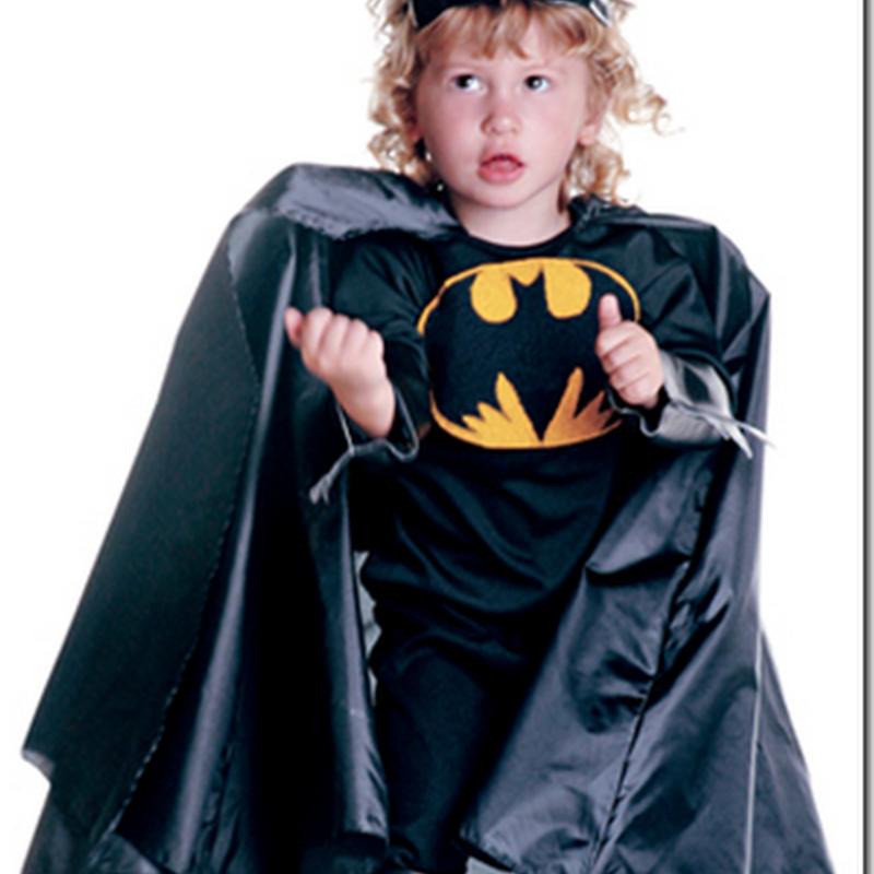 Disfraz casero de Batman para niño con paraguas